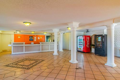 Motel 6 Jacksonville FL Airport Area - South Photo