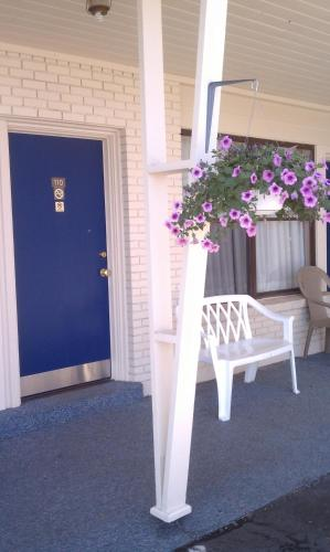 The Monticello Inn Photo