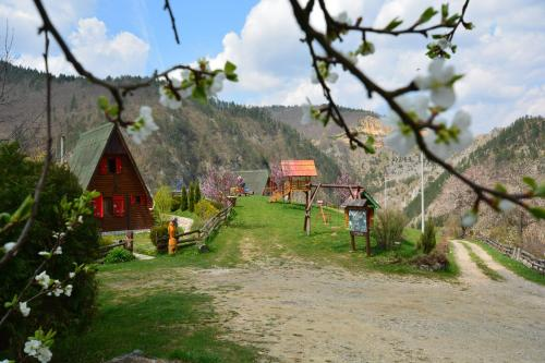 Mountain Chalets Tara Photo