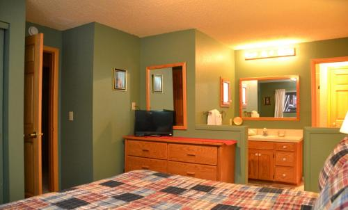 Longbranch By Ski Village Resorts - Breckenridge, CO 80424