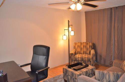 Home Again Urban Retreat - Saint Paul, MN 55119
