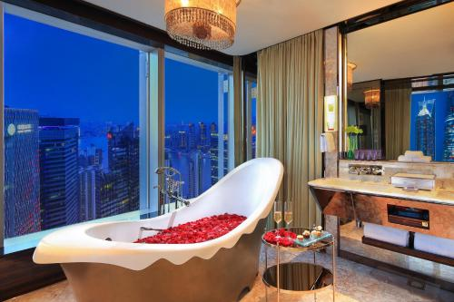 The Ritz-Carlton Shanghai, Pudong photo 63