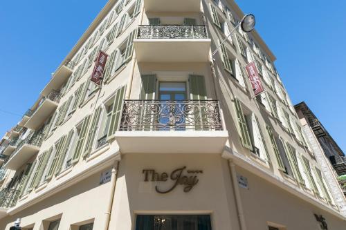 21 Rue Meyerbeer, 06000 Nice, France.