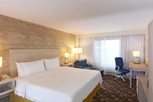 Holiday Inn Express Toluca Photo