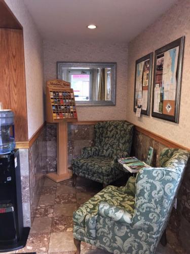 Slumber Lodge - Penticton, BC V2A 1B8