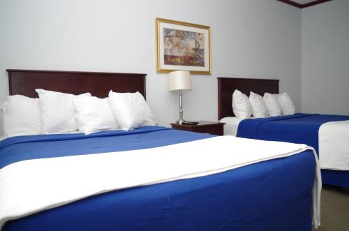 Causeway Bay Hotel - Sparwood, BC V0B 2G0