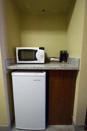Quality Inn & Suites Denver North - Westminster Photo