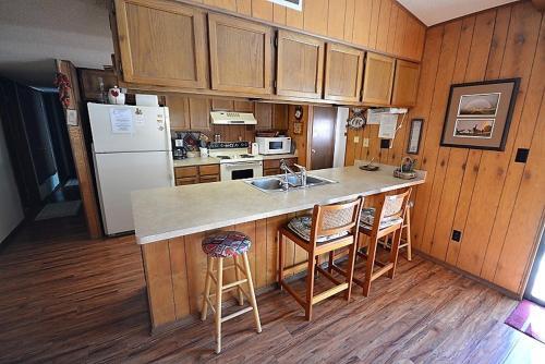 100 Whitt Retreat - Three Bedroom