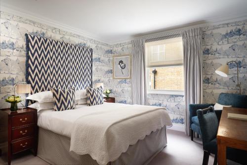 15 Cromwell Place, South Kensington, London, England, United Kingdom, SW7 2LA.