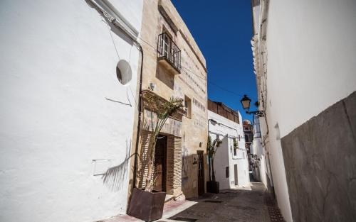 Calle Comendador, 10, Tarifa, 11380, Cádiz, Spain.
