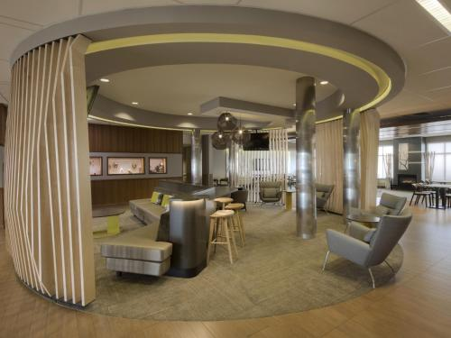 Springhill Suites By Marriott Anchorage University Lake - Anchorage, AK 99508
