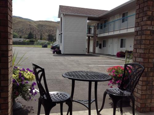 The Ranchland Inn Kamloops Photo