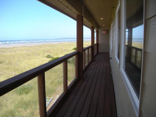 Moonstone Beach Motel Photo