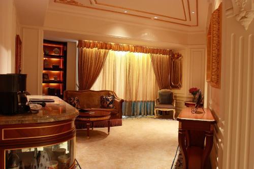 Legendale Hotel Beijing photo 4