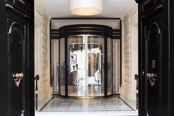 Hôtel Le Narcisse Blanc & Spa