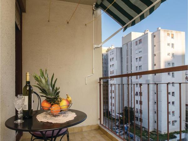 Apartment Split XIV