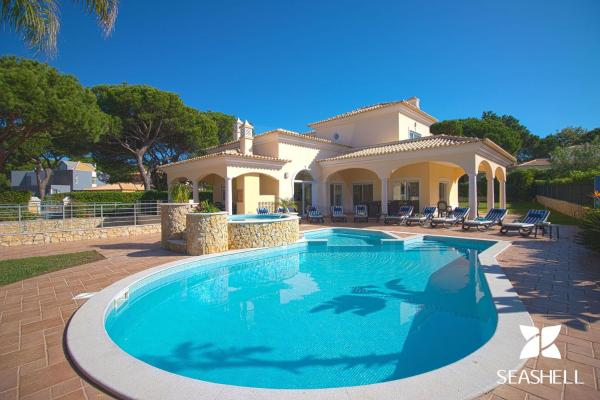 Holiday houses in Vilamoura (Algarve) and its surroundings