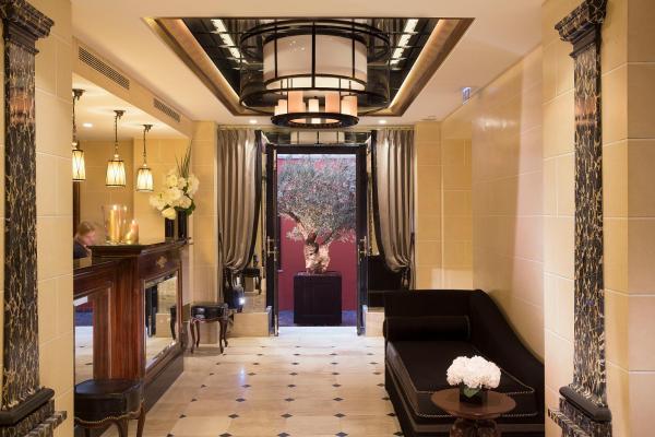 Hotel Le Belmont Champs Elysées