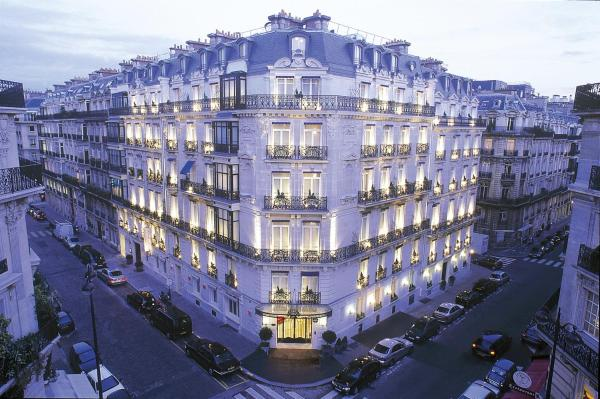 Hotel La Tremoille Paris