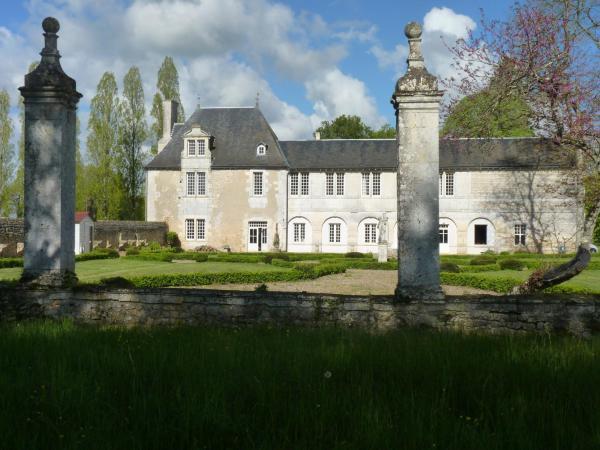 Chambres DHtes  Chasseneuil Du Poitou