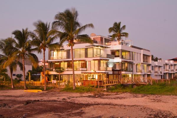 Golden Bay Hotel & Spa