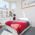 Beautiful And Light Chelsea 1-bed Apartment