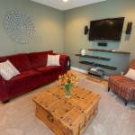 Modern Comfort In Charming Flagstaff Neighborhood Home