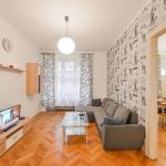 Guestin 4room Family Apartment @ 5. Kvetna