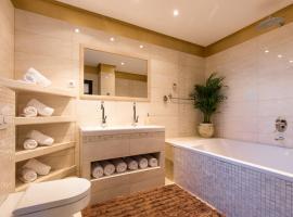 Photo de l'hôtel: Deluxe Sea View Apartment Mate Balote