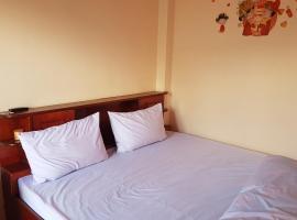 Hotel near Phônsavan bana