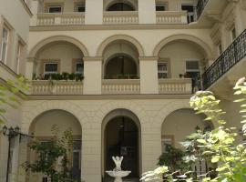 Hotel photo: Westend Apartment & Courtyard