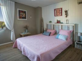 Hotel Photo: Chambre d'hôtes, Côté-Vignes