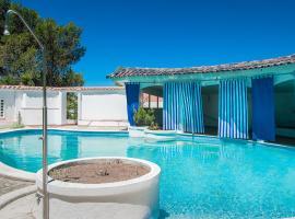 Hotel photo: Feels Like Home Cascais Modern House with Pool