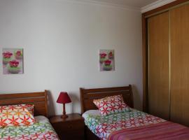 Hotel photo: Tavira Garden T2-21 R/C J