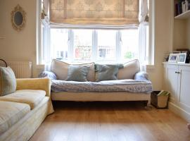 Foto di Hotel: Beautiful Charming 4-Bed Home in Hammersmith
