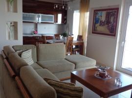 Foto di Hotel: City Apartment with Sea View