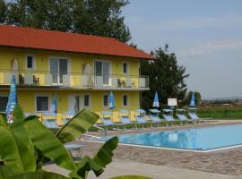 Hotel photo: Gasthof Zum Lindenhof