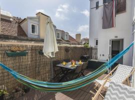 Hotel photo: 2bedroom flat - Bica, charm and terrace