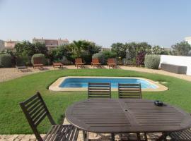 Hotel fotoğraf: Self Catering Villas with Pools at Dunas Resort
