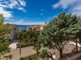 Hotel Photo: Three-Bedroom Apartment Crikvenica near Sea 4
