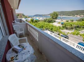 Hotel photo: Apartment in Supetarska Draga 16063