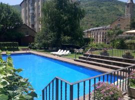 Hotel Photo: Hotel Pey