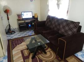 Hotel Foto: Small Paradise Furnished Apartment