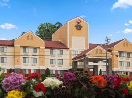 Hotel photo: Best Western Plus Huntersville