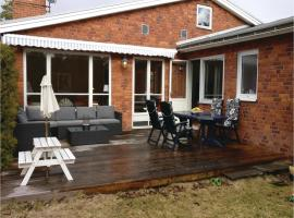 Hotel photo: Five-Bedroom Holiday Home in Strangnas