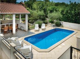 Hotel Photo: Holiday home Gruda III