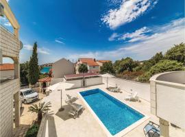 Hotel Photo: Three-Bedroom Holiday home Sevid with Sea View 09