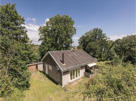 Hotel photo: Three-Bedroom Holiday Home in Allinge