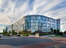 Hotel photo: Courtyard by Marriott Philadelphia South at The Navy Yard