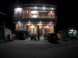 Foto di Hotel: Hotel Binongko Jaya